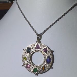 Gold pendant with gems